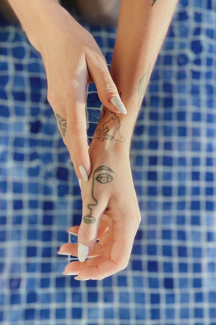20-best-finger-tattoos-designs-2020